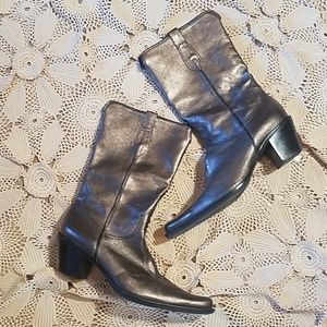 Stylish western inspired leather boots